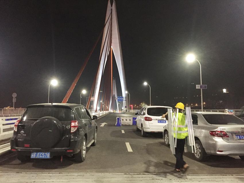 東水門大橋